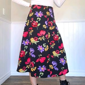 🤩 Vintage floral skirt